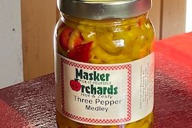 Zesty mix of hot banana, cherry and jalapeno pepper rings